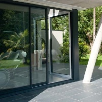 baie vitrée alu pour un intérieur plus lumineux