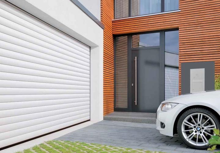 La porte de garage enroulable parlons en bien for Porte de garage enroulable aluminium prix